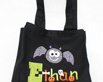 Halloween Trick or Treat Bag, Halloween Tote Bag, Personalized Trick or Treat Bag - Canvas Bag with Appliqued with Bat and Halloween Name