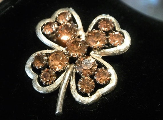 Vintage Rhinestone Brooch Four Leaf Clover 1950s Mid Century Brooch Glass Rhinestones Caramel Toffee Colored Stones Brushed Metal Ireland