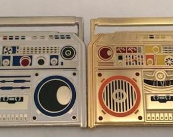 Star Wars LP Boombox Ghetto Blaster hat/lapel Pins R2D2 and C-3PO