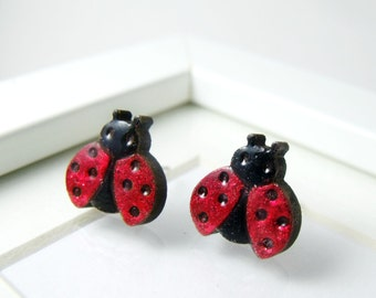 tiny ladybirds for your ears // cute stud earrings