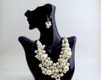 Pearl Necklace, Bib Cluster  Pearl Necklace, Gold Chain with Pearls, Wedding Jewelry