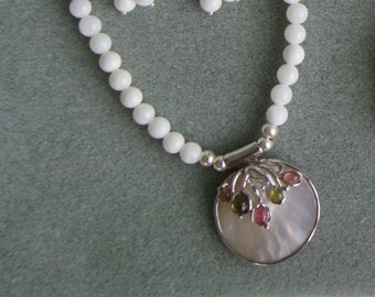 Mother of Pearl beaded necklace with Mother of Pearl/gemstones pendant  -  112