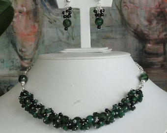 Green Agate and black Onyx beaded necklace  -  177