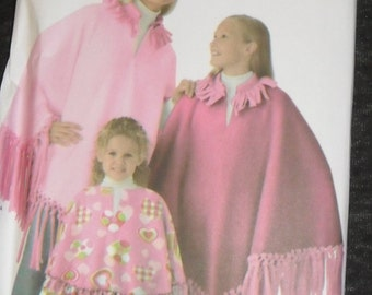 No-Sew Poncho Pattern    Simplicity  #3981 All Sizes
