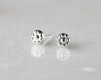 Floral Dot Stud Earrings, Sterling Silver Dots, Sterling Silver Earrings, Sweet Everyday Studs, Flower Studs, Mini Earrings, 5mm Round Size