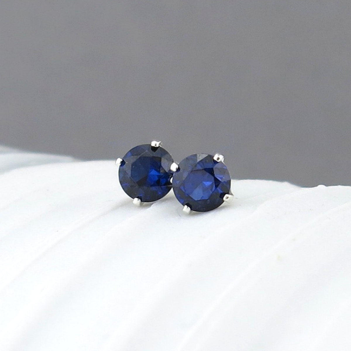 blue sapphire earrings sapphire stud earrings tiny stud. Black Bedroom Furniture Sets. Home Design Ideas