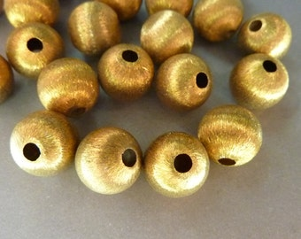 12 Brass Beads Silk Etched Vintage 10mm (12)