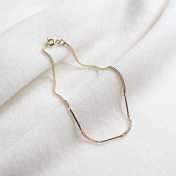 coda - minimalist gold bracelet