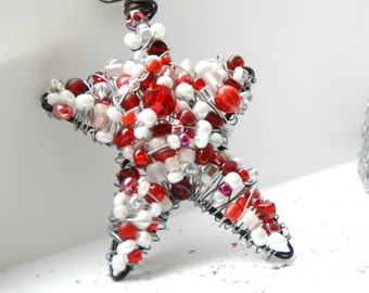 Red and White Wire Star Ornament, Christmas Ornament, Star Suncatcher, Beaded Star, Christmas Decoraction, Wire Wrapped Star - Candy Cane