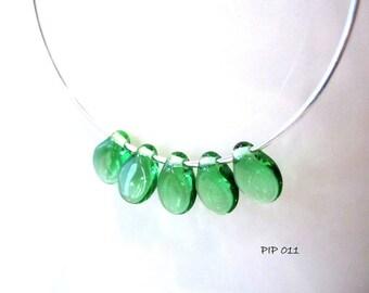 On Sale 50 Emerald Green Flower Petal PIP Beads 50 pcs Preciosa Czech Glass Beads Pip 011
