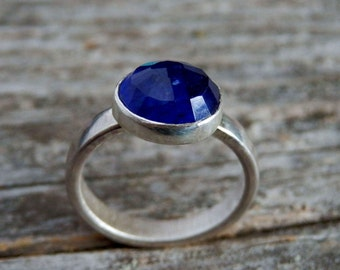 Inverted sapphire ring / sterling silver and bright blue sapphire ring / blue engagement ring / September birthstone ring / sapphire jewelry