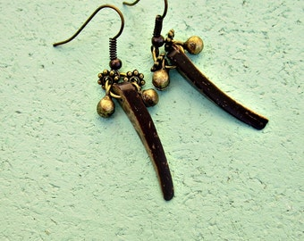 Coconut Shell Pin on Rustic Brass Dangle Earrings: Pacific