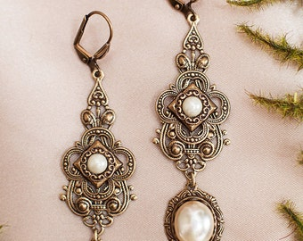 Cream Pearl Renaissance Earrings, Medieval Jewelry, Handfasting, Garb, Tudor, Ren Faire Wedding, Bridal Jewelry, Bridesmaid, Avalon