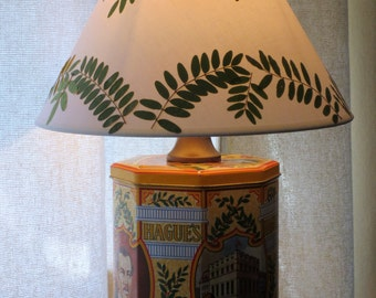 Printed tin table lamp with pressed leaf shade - Hague's Pretzels