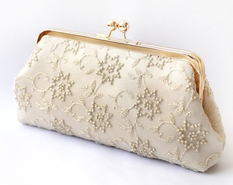 Metallic Gold Embroidered Tulle Bridal Clutch in Champagne | STAR FLOWER