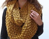 THE BEECH cowl / chunky knit warm knitted scarf / GOLDENROD / wool blend