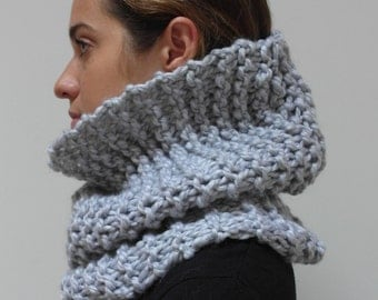 THE MAPLE cowl / scarf infinity warm chunky knit / GREY / wool blend