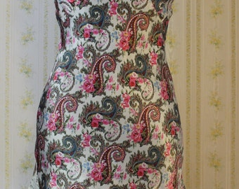 Vintage 1980s Paisley Satin Chemise With Pleating and Lace Detail