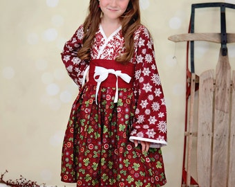Deep Red & Green Holiday Kimono Dress - Girls - Snowflakes - Burgundy - Christmas - Holly - Winter - Celebration - Photos - Japanese - Gift