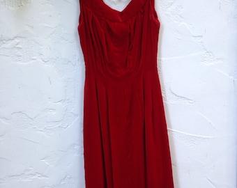 50's RED VELVET Wiggle Dress / Bombshell 50's DRESS / Sleeveless / Extra Small to Small