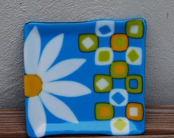 Fused Glass, Daisy, Blue, Yellow, Square, Tray, Plate, Unique, Glass, Stained Glass, Gift, Gift Idea, Frit, Fine Art, Serving, Handmade