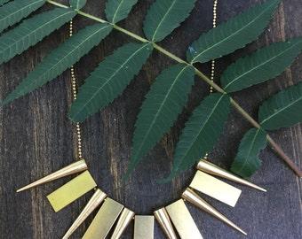 Feeling Spiky Brass Necklace