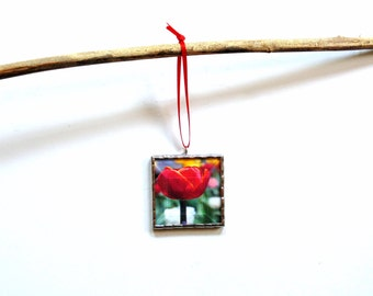 Red tulip stained glass ornament, gardener gift, gift for mom under 20, home decor, Spring flowers, spring home decor wall art