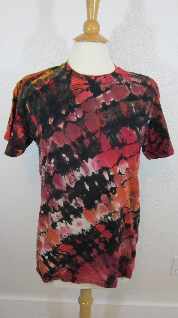 Shibori Tie Dye T-shirt Red Orange and Black Unisex Size Medium