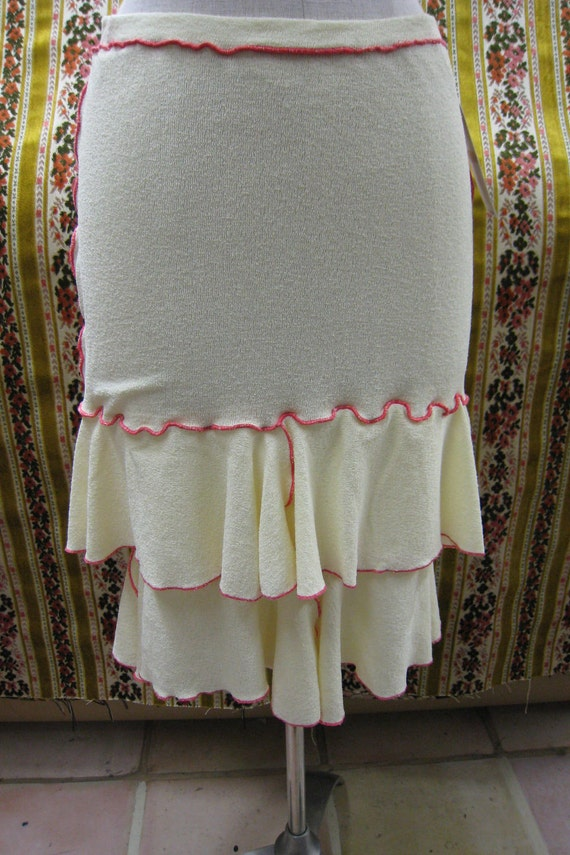 Cream color skirt with 2 layers and red stitching (v64)
