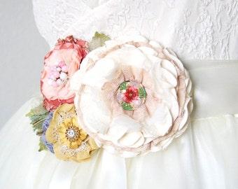 Garden Wedding Sash, Colorful Bridal Sash, Unique Bridal Belt, Floral Bride Sash, Wedding Dress Belt, Fabric Flower Sash