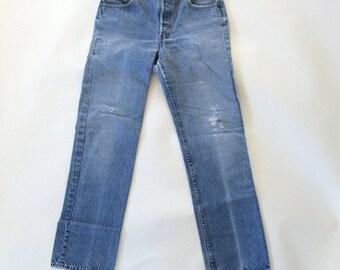 30x30 Distressed Levis Button Fly Stone Wash Faded Blue Jeans Classic Fit Straight Leg 80s Vintage Denim 32x34 Label Boyfriend Jeans