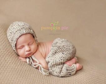 Download PDF knitting pattern k-38 - Lightweight classic bonnet andpants set