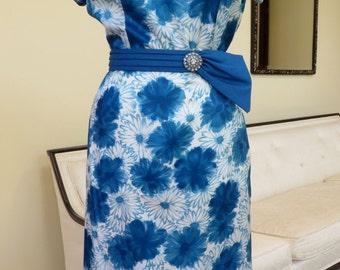 Vintage 1950's/Blue Floral Wiggle Dress/50's Floral Wiggle Dress/50's Blue Evening Dress/Floral Silk Wiggle Dress /Mary Roberts/Large