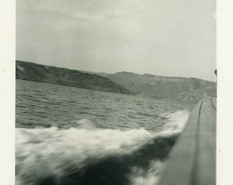"Vintage Photo ""Making Waves"" Boat Boating on Lake Water Snapshot Photo Old Antique Black & White Photograph Found Photo Paper Ephemera - 128"