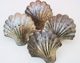 Vintage Shell Napkin Rings Set of 4 Metal Napkin Holders with Nautical Decor