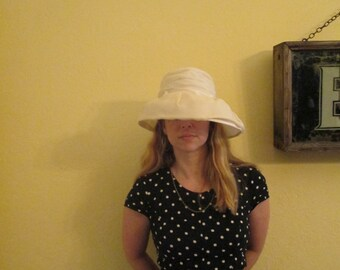 Vintage Beautiful Vintage Hat / Off White Organza Large Brim Hat / Elegant Church Hat