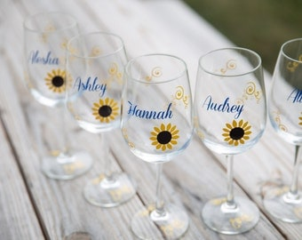 Sunflower wine glass | Etsy