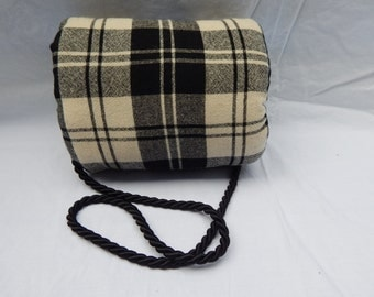 Black and cream plaid woman's muff
