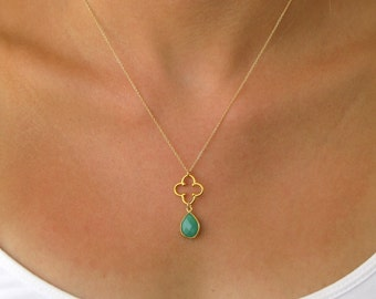 Clover gold necklace with gemstone accent- Gemstone Necklace - Gold Necklace