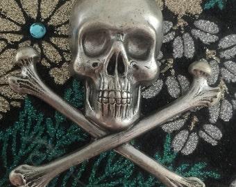 Jumbo Skull Crossbones Pendant Charm (1 pc)