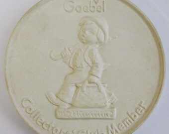 1976 Goebel Hummel Bisque Plaque Club Member TMK 5 with Box