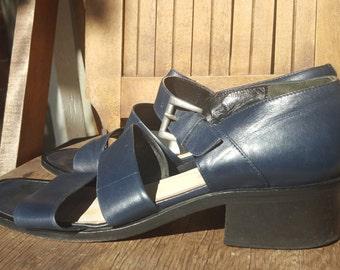 EDDIE BAUER    ///     Leather 90s Sandals