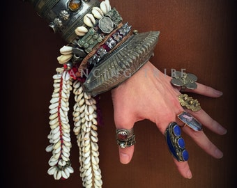 Old Banjara Coin Bracelet with Cowrie Falls Banjara Cowrie Shell Bracelet Gypsy Coin Bracelet Tribal Cowrie Bracelet Gypsy Boho Jewelry Red