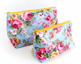 Country Garden Water Resistant Cosmetic Bag PVC Small or Large Floral Oilcloth Makeup Toiletry Bag