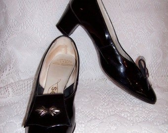 Vintage 1950s Ladies Black Patent Leather Pumps by Selby Size 6 Only 6 USD