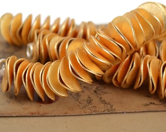 "15mm Gold Pringles - Gold Plated Copper - Potato Chip Bead - 4"" Strand"