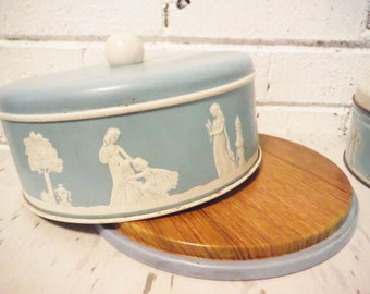 Vintage Jasperware tin wedgwood fruit cake dessert storage pastel blue shabby hostess gift
