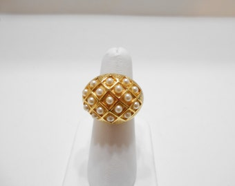 Vintage Faux Pearl Dome Ring (190) Adjustable