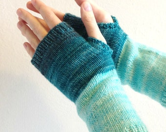PDF Knitting pattern - wool fingerless gloves - instant download