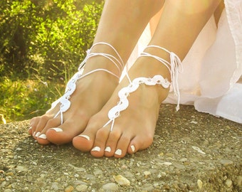 Beach wedding white beaded barefoot sandals with crystal beads Footless sandles Foot jewelry barefoot sandal Hippie yoga anklet Toe thongs